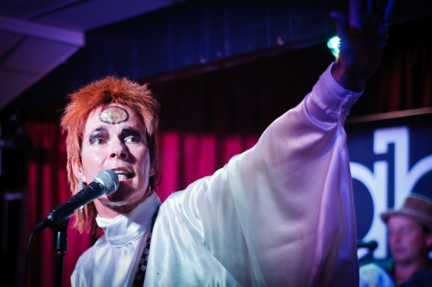 Absolute Bowie @ Ruislip Social Club IX