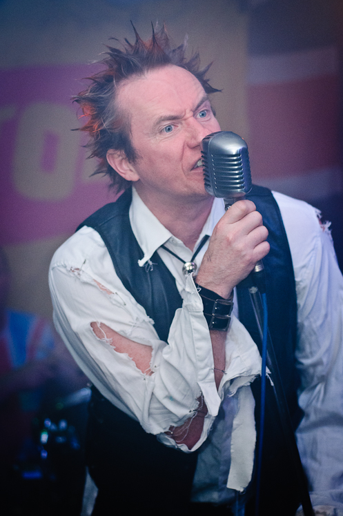 The Pistols @ Ruislip Social Club 002