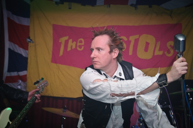 The Pistols @ Ruislip Social Club 009