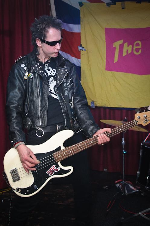 The Pistols @ Ruislip Social Club 011