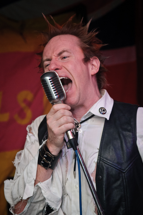 The Pistols @ Ruislip Social Club 013