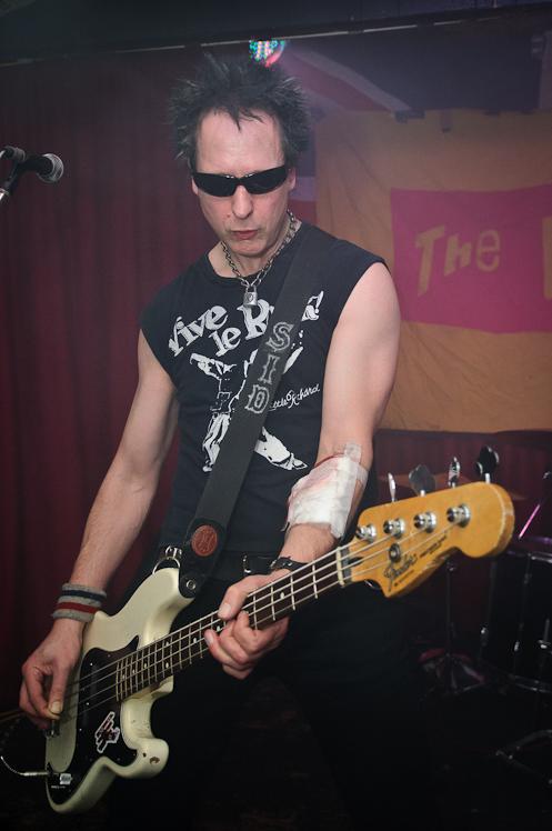 The Pistols @ Ruislip Social Club 023
