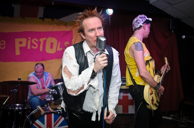 The Pistols @ Ruislip Social Club 026