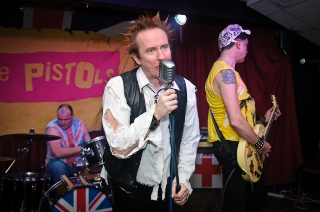 The Pistols @ Ruislip Social Club 026