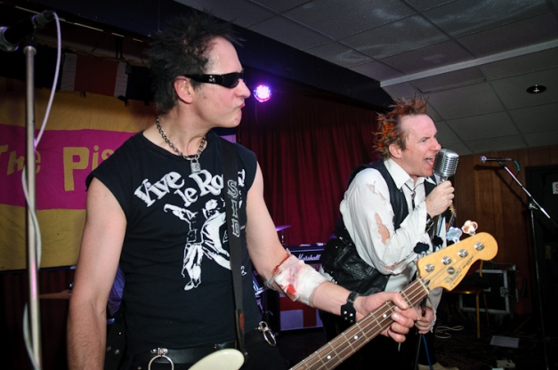 The Pistols @ Ruislip Social Club 032